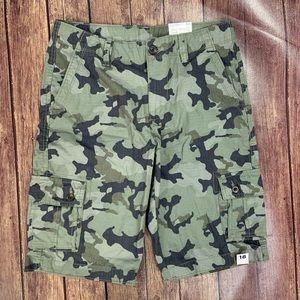 NWT Arizona Camouflage Cargo Shorts
